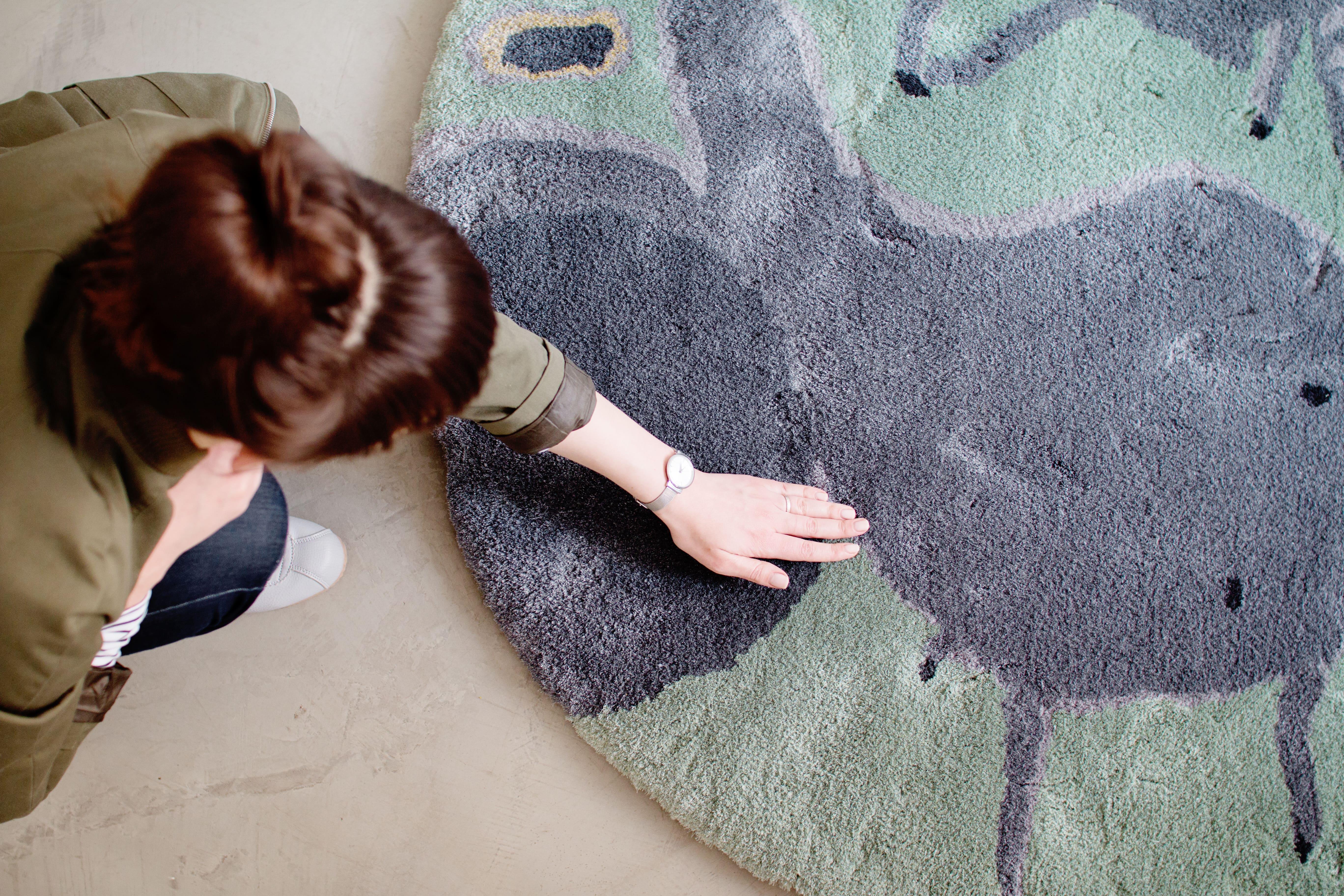 Barbora Adamonytė-Keidūnė, kilimas Šešėliai